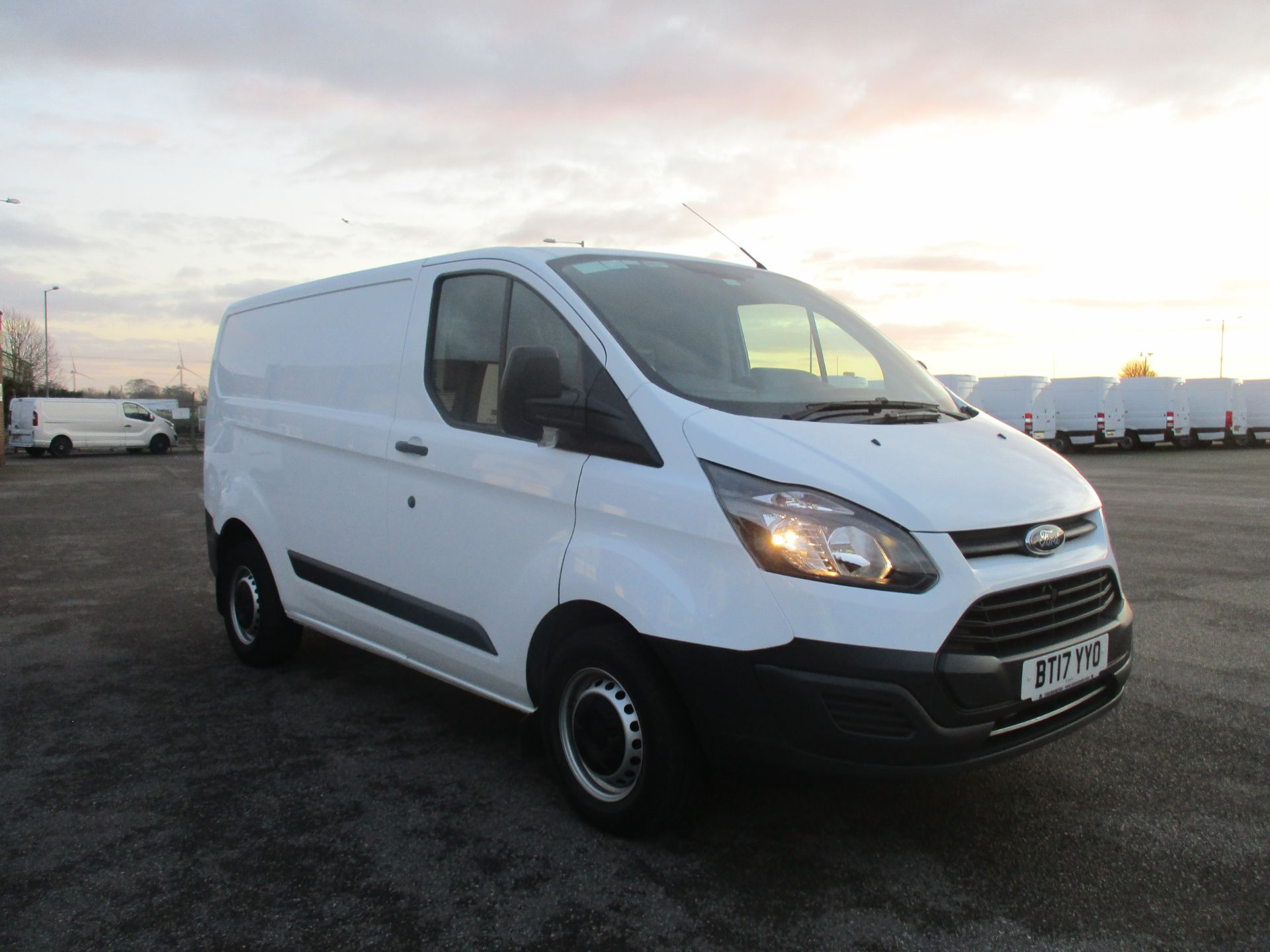 2017 Ford Transit Custom 290 L1 DIESEL FWD 2.0 TDCI 105PS LOW ROOF VAN EURO 6 (BT17YYO)