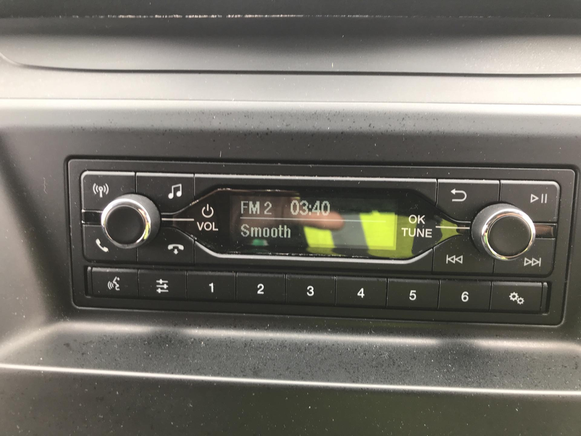 2018 Ford Transit Custom 300 L1 H1  2.0 TDI 105Ps  (BT18JXH) Image 10