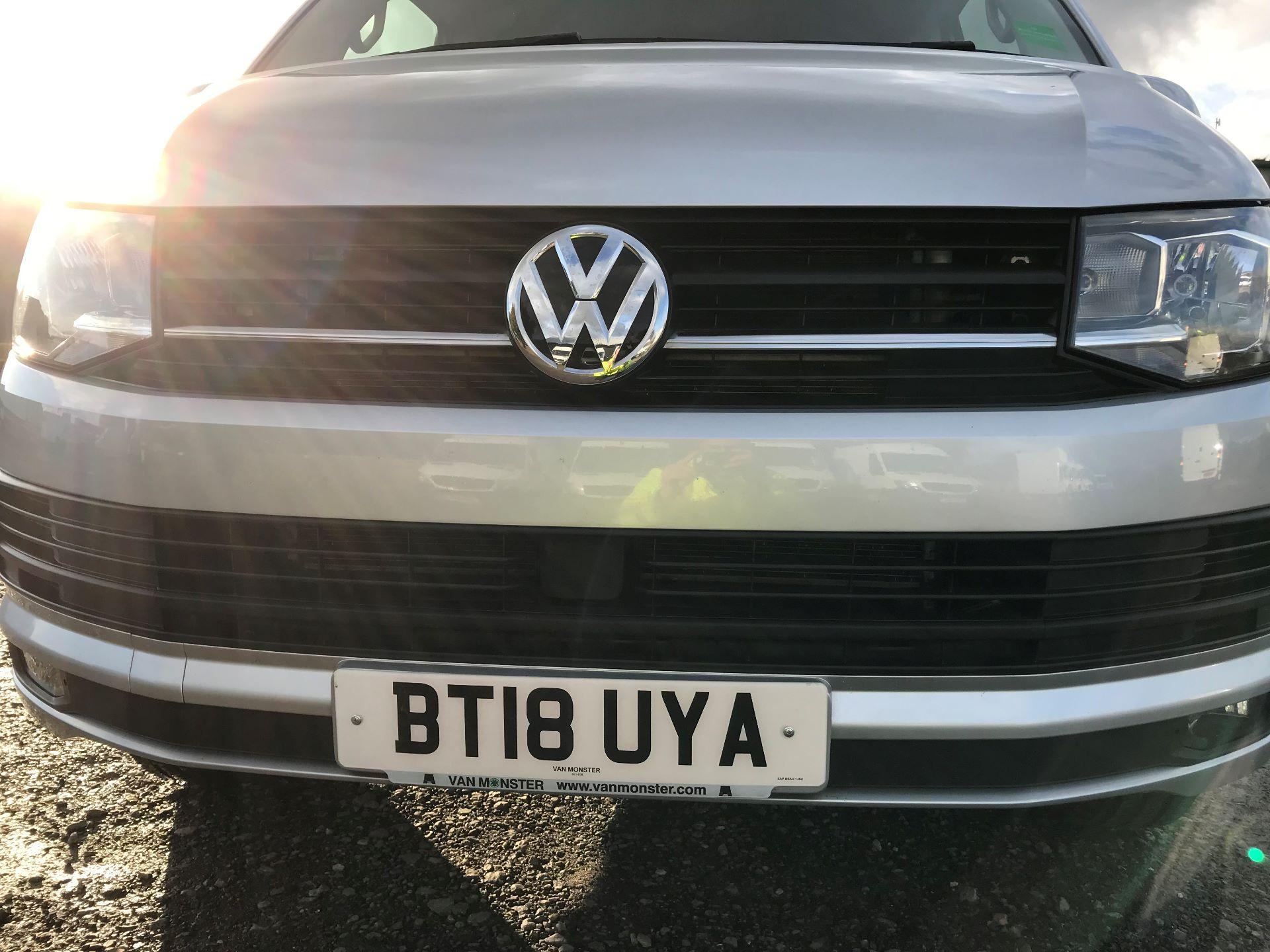 2018 Volkswagen Transporter  T28 SWB DIESEL 2.0 TDI BMT 150 HIGHLINE VAN EURO 6  (BT18UYA) Image 14
