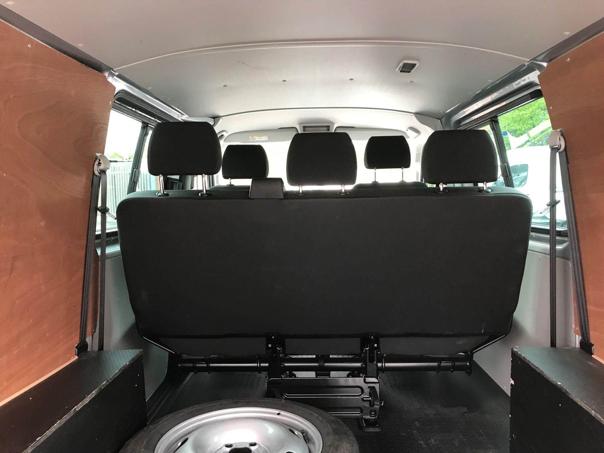 2018 Volkswagen Transporter 2.0 Tdi Bmt 150 Highline Kombi Van (BU18RWZ) Image 11
