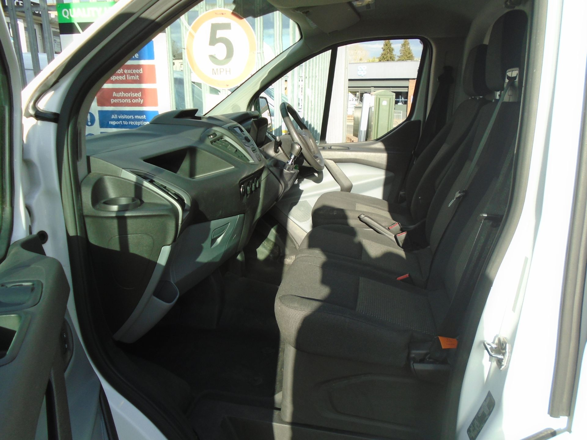 2017 Ford Transit Custom 2.0 Tdci 105Ps Low Roof Van (BV17VBN) Image 12