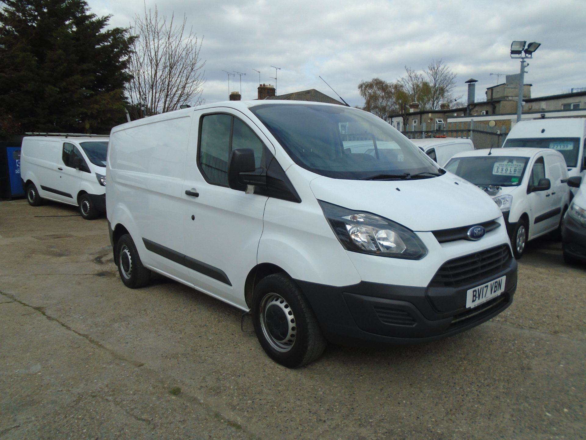 2017 Ford Transit Custom 2.0 Tdci 105Ps Low Roof Van (BV17VBN)