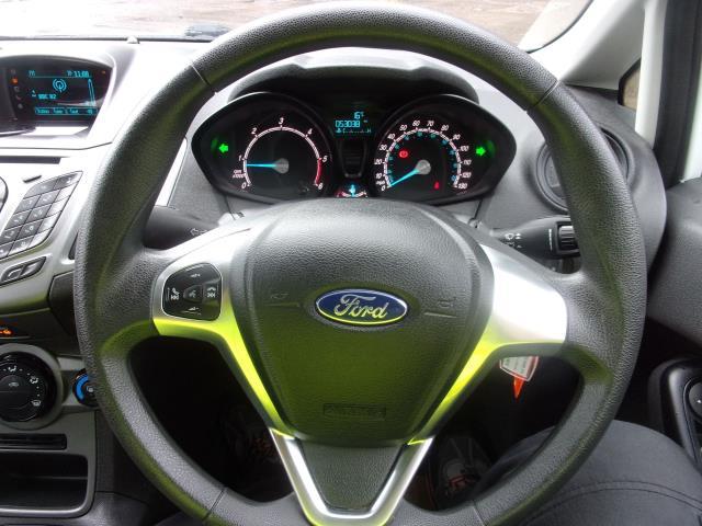 2017 Ford Fiesta 1.5 TDCI VAN EURO 5 (BV17YPY) Image 5