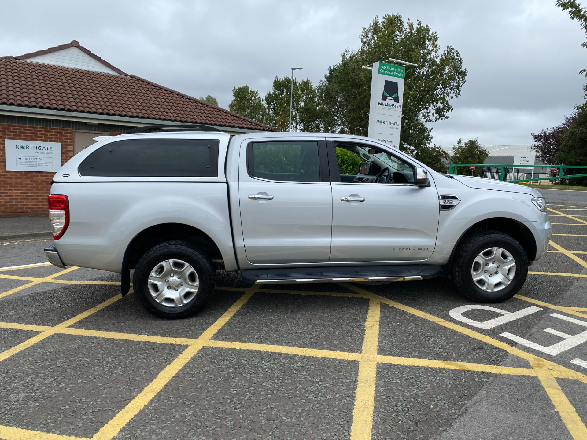 2017 Ford Ranger Pick Up Double Cab Limited 1 2.2 Tdci (BW17UDY) Image 8
