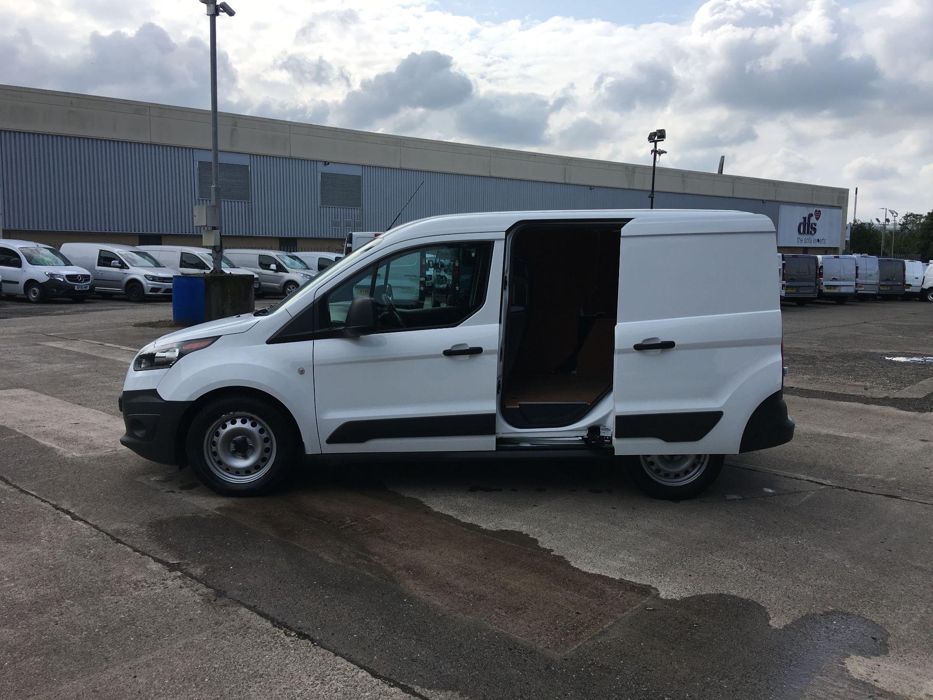 2017 Ford Transit Connect 200 L1 DIESEL 1.5 TDCI 75PS VAN EURO 5 (BW17YBX) Image 19
