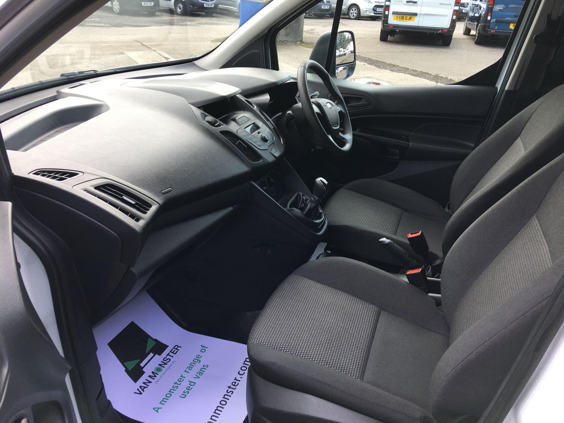 2017 Ford Transit Connect 200 L1 DIESEL 1.5 TDCI 75PS VAN EURO 5 (BW17YBX) Image 13