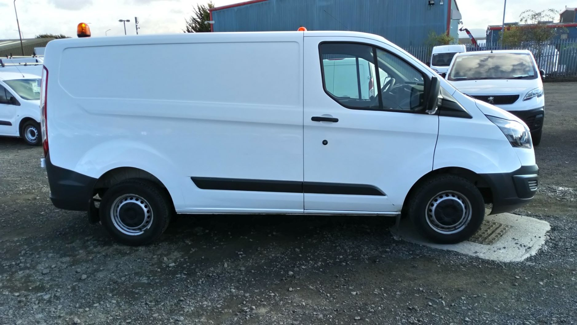 2016 Ford Transit Custom 2.0 Tdci 105Ps Low Roof Van (BW66XSY) Image 2