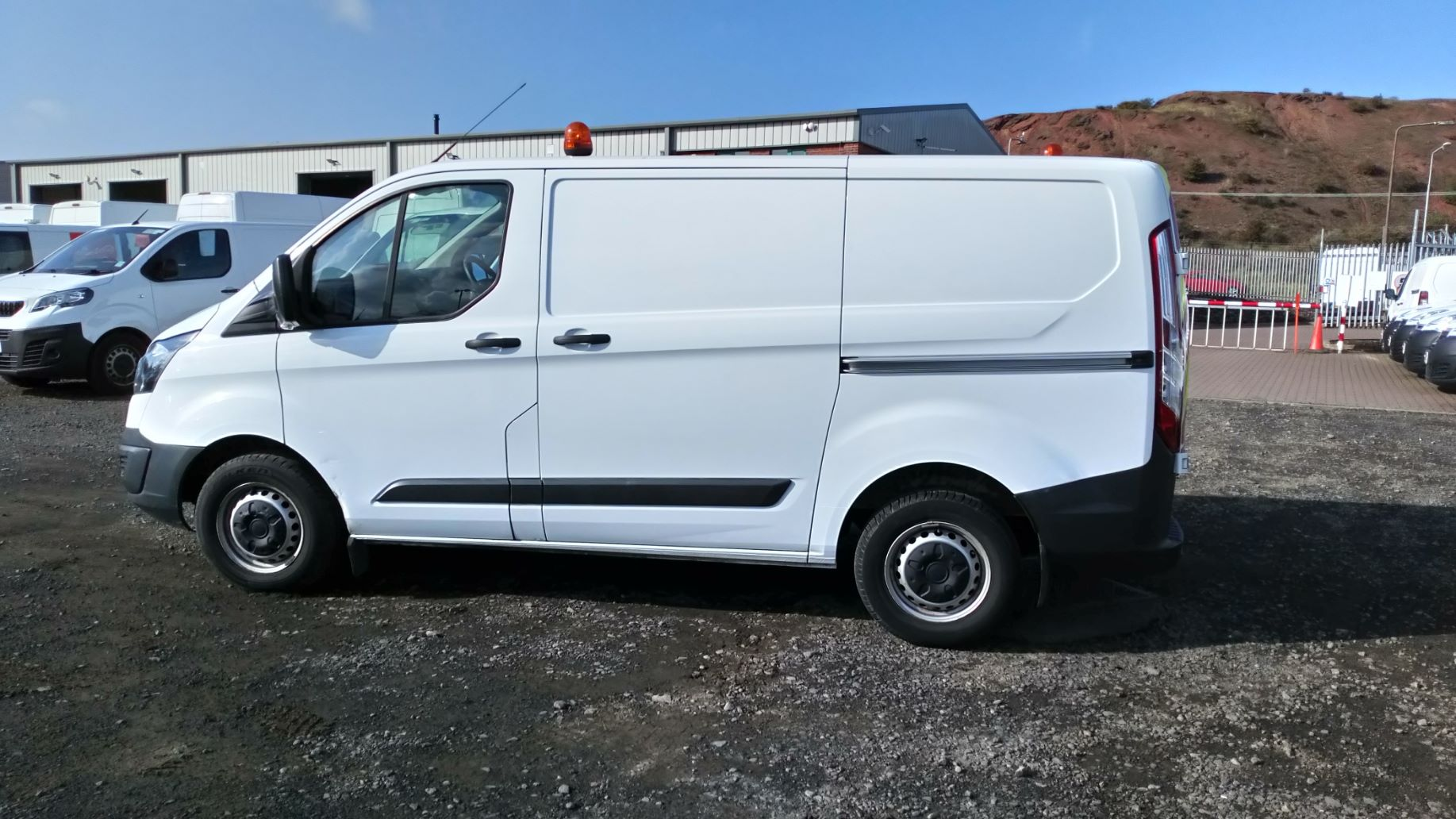 2016 Ford Transit Custom 2.0 Tdci 105Ps Low Roof Van (BW66XSY) Image 5