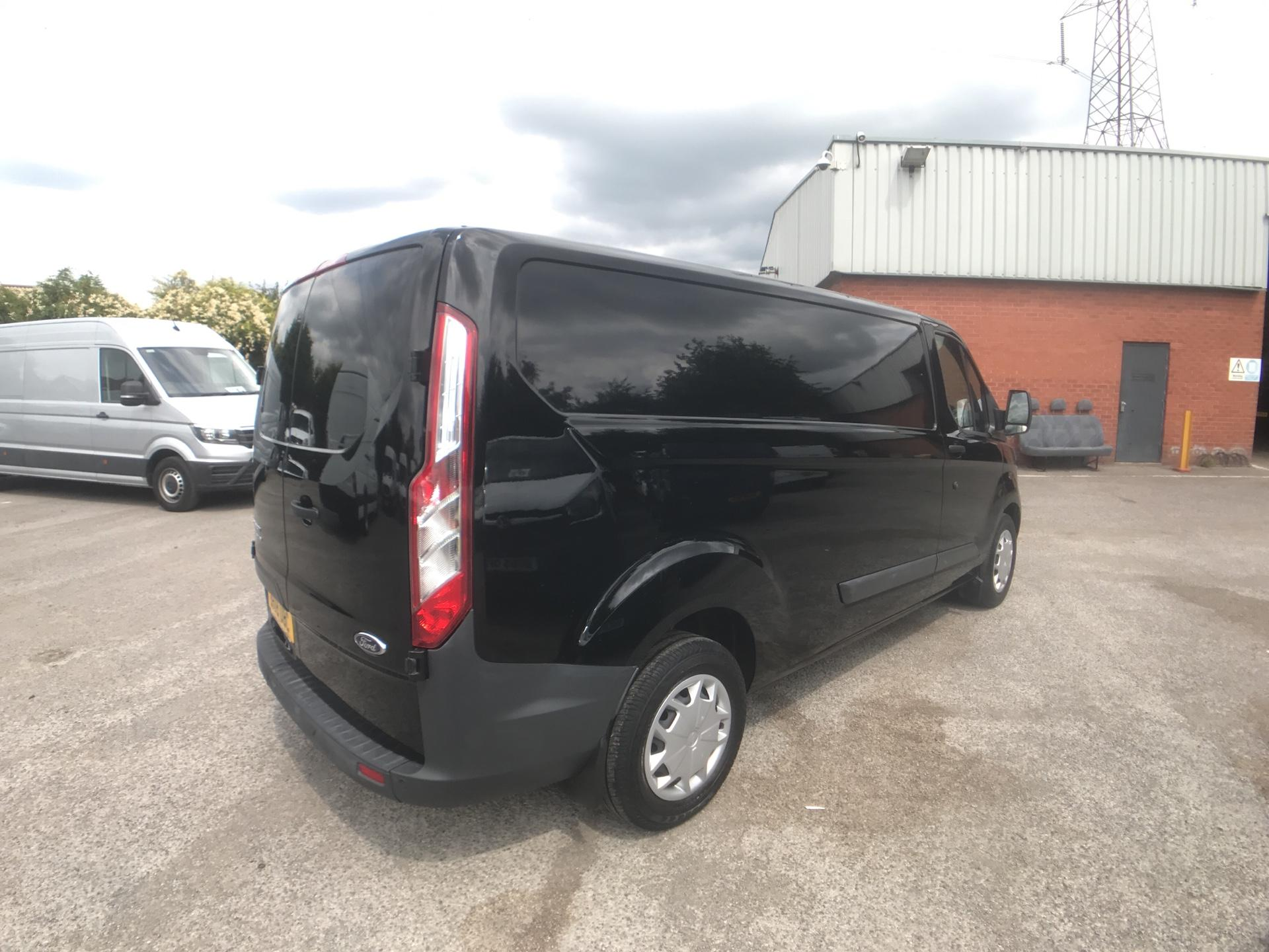 2018 Ford Transit Custom 2.0 Tdci 130Ps Low Roof Trend Van Auto Euro 6 (BX18UBC) Image 3