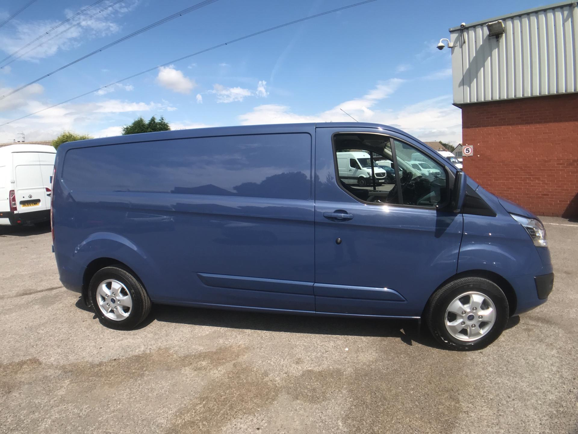 2018 Ford Transit Custom 2.0 Tdci 130Ps L2 Low Roof Limited Van Auto Euro 6 (BX18UCC) Image 4