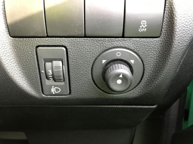 2017 Citroen Berlingo 750 L2 1.6HDI BLUE LX 100PS EURO 6  (CA66HWV) Image 26