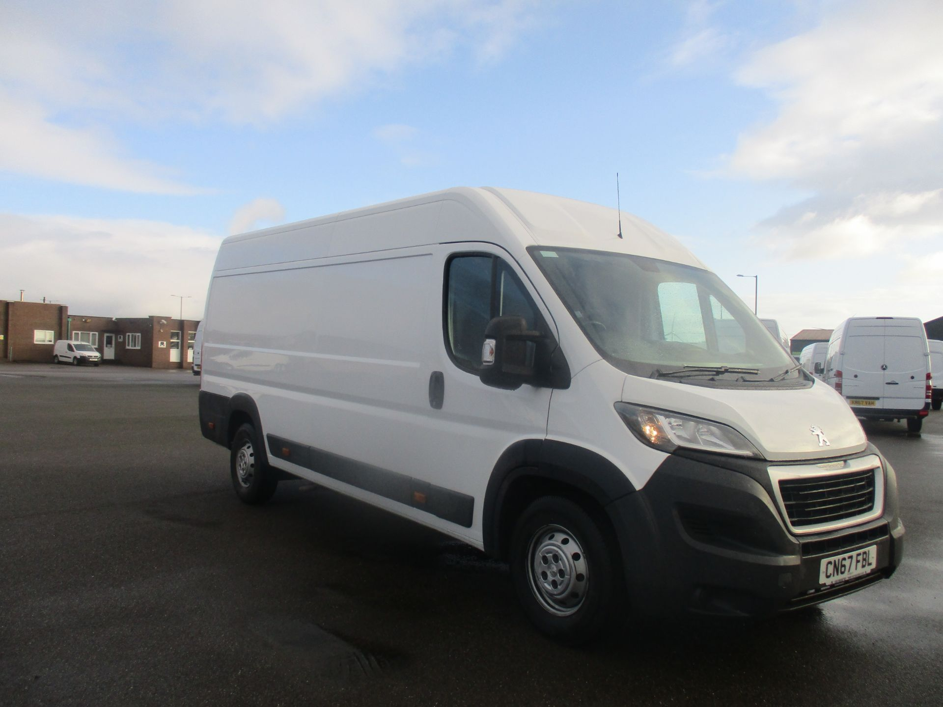 2017 Peugeot Boxer 435 L4 H2 BLUE HDI 2.0 130PS PROFESSIONAL EURO 6. AIR CON, SAT NAV (CN67FBL)