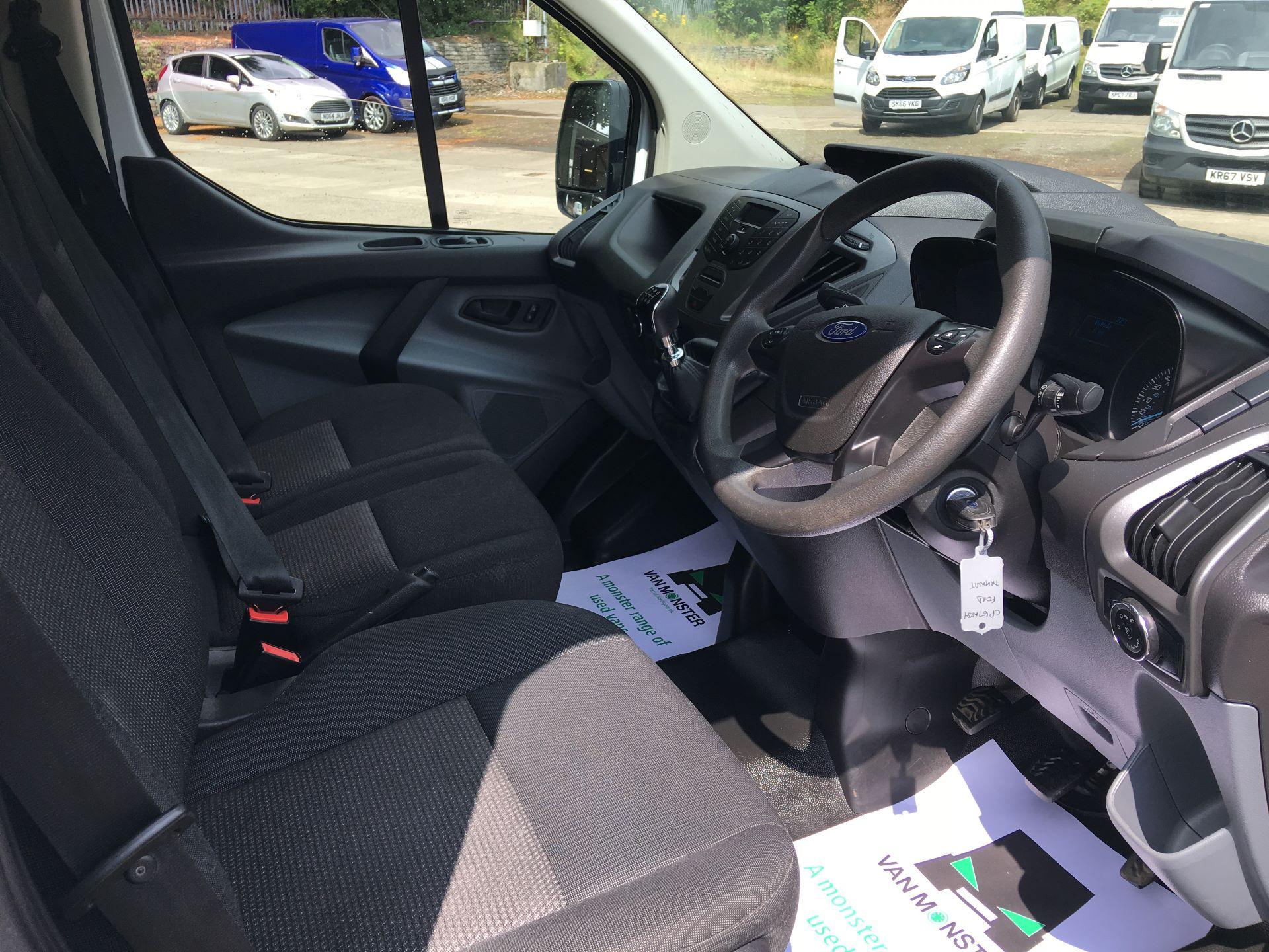 2018 Ford Transit Custom 270 L1 DIESEL FWD 2.0 TDCI 105PS LOW ROOF VAN EURO 6 (CP67NJY) Image 2