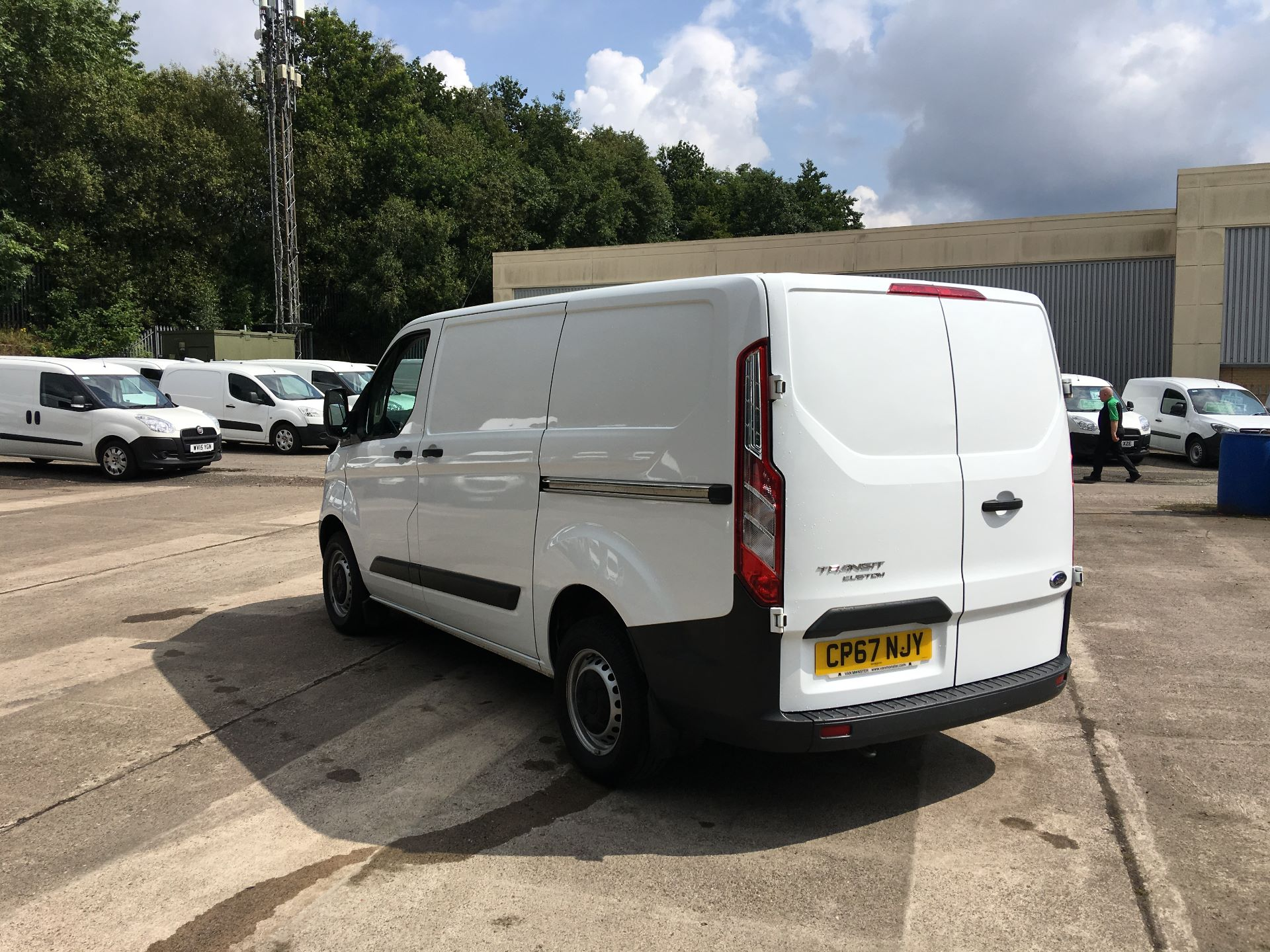2018 Ford Transit Custom 270 L1 DIESEL FWD 2.0 TDCI 105PS LOW ROOF VAN EURO 6 (CP67NJY) Image 11