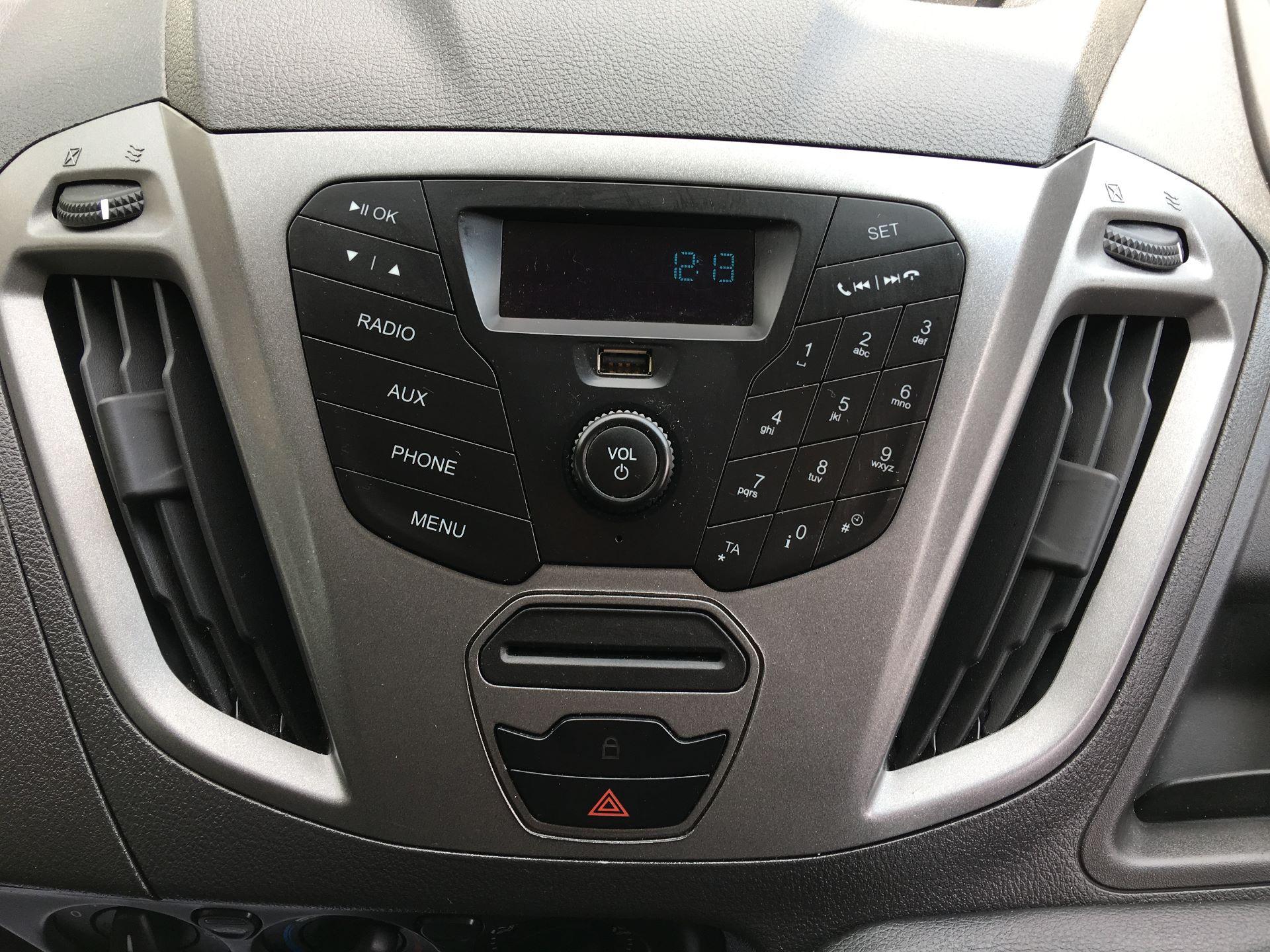 2018 Ford Transit Custom 270 L1 DIESEL FWD 2.0 TDCI 105PS LOW ROOF VAN EURO 6 (CP67NJY) Image 3