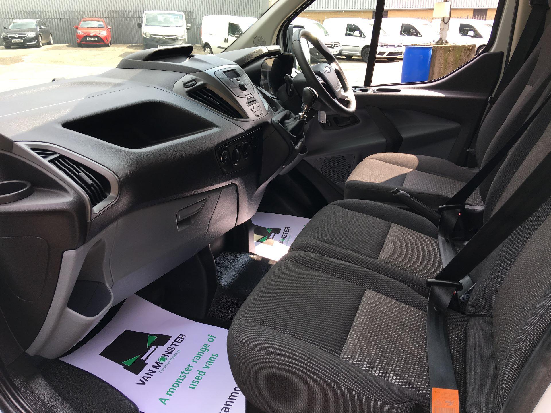 2018 Ford Transit Custom 270 L1 DIESEL FWD 2.0 TDCI 105PS LOW ROOF VAN EURO 6 (CP67NJY) Image 13