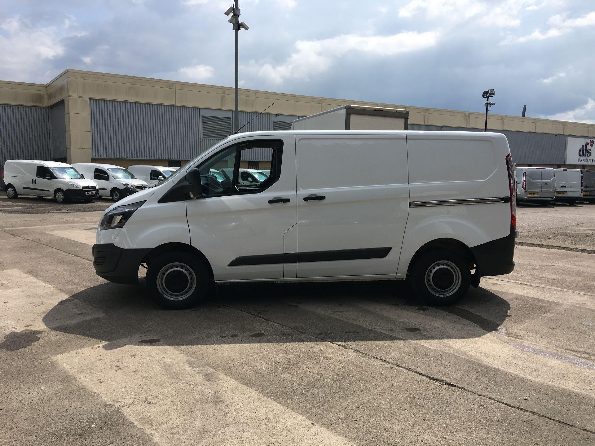 2018 Ford Transit Custom 270 L1 DIESEL FWD 2.0 TDCI 105PS LOW ROOF VAN EURO 6 (CP67NJY) Image 12