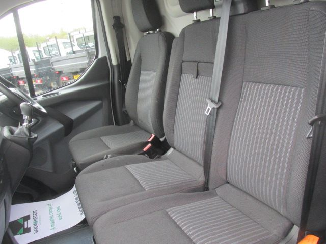 2017 Ford Transit Custom 290 2.0 Tdci 105Ps Low Roof Trend Van (CU66VYN) Image 16