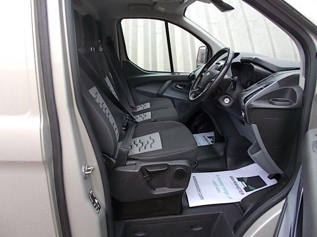 2016 Ford Transit Custom 2.2 TDCI 125PS LOW ROOF LIMITED VAN EURO 5 (CV16DGF) Image 13