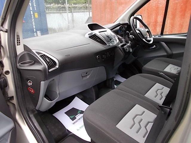 2016 Ford Transit Custom 2.2 TDCI 125PS LOW ROOF LIMITED VAN EURO 5 (CV16DGF) Image 12