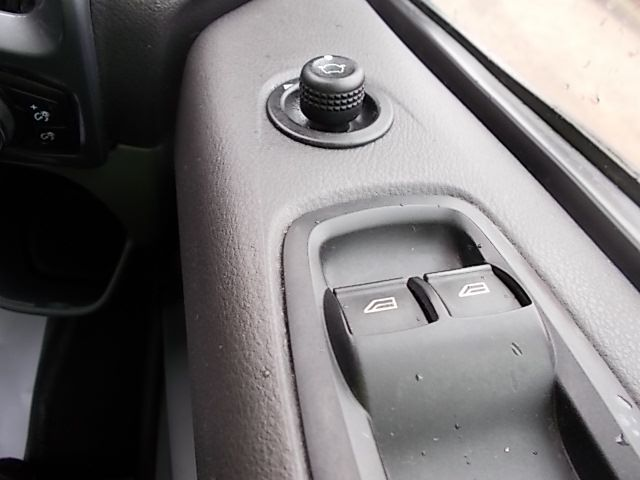 2016 Ford Transit Custom 2.2 TDCI 125PS LOW ROOF LIMITED VAN EURO 5 (CV16DGF) Image 21