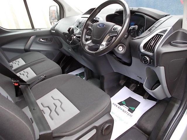2016 Ford Transit Custom 2.2 TDCI 125PS LOW ROOF LIMITED VAN EURO 5 (CV16DGF) Image 14