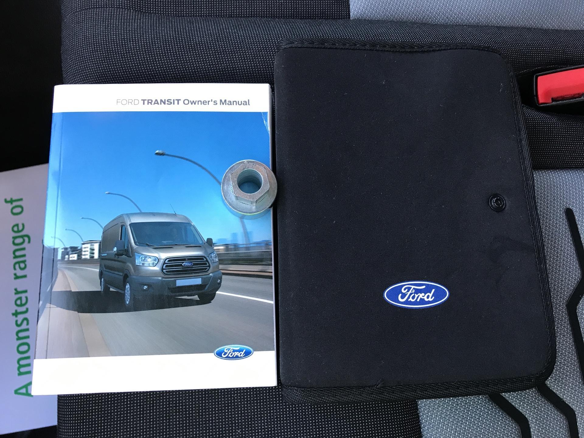 2017 Ford Transit Custom  290 L1 DIESEL FWD 2.0 TDCI 130 PS LOW ROOF LIMITED VAN EURO 6 (CV67MDZ) Image 26