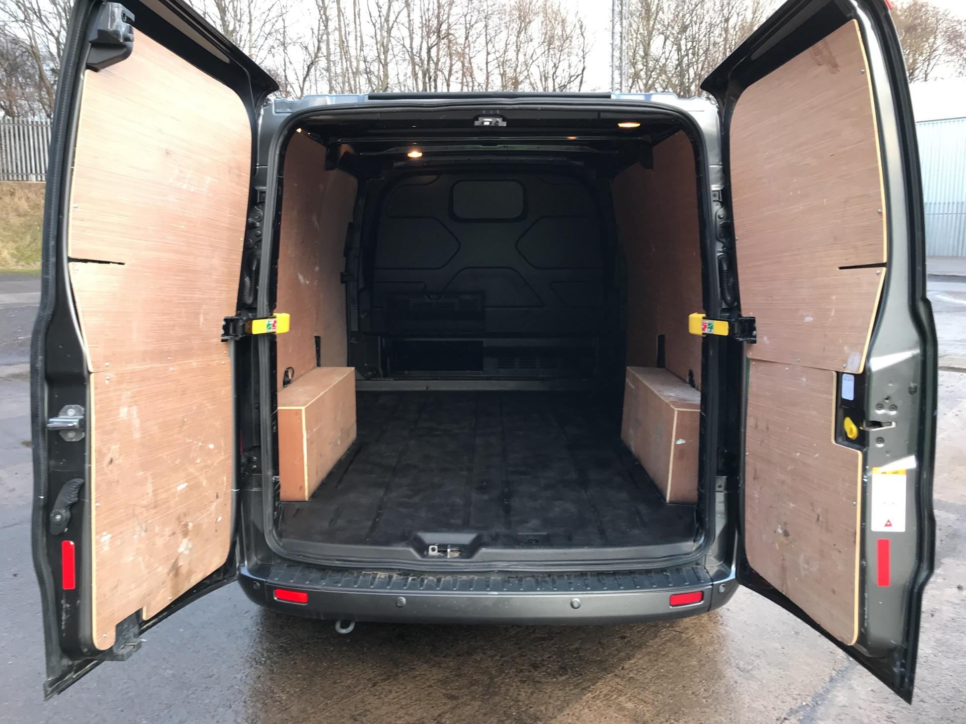 2017 Ford Transit Custom  290 L1 DIESEL FWD 2.0 TDCI 130 PS LOW ROOF LIMITED VAN EURO 6 (CV67MDZ) Image 20