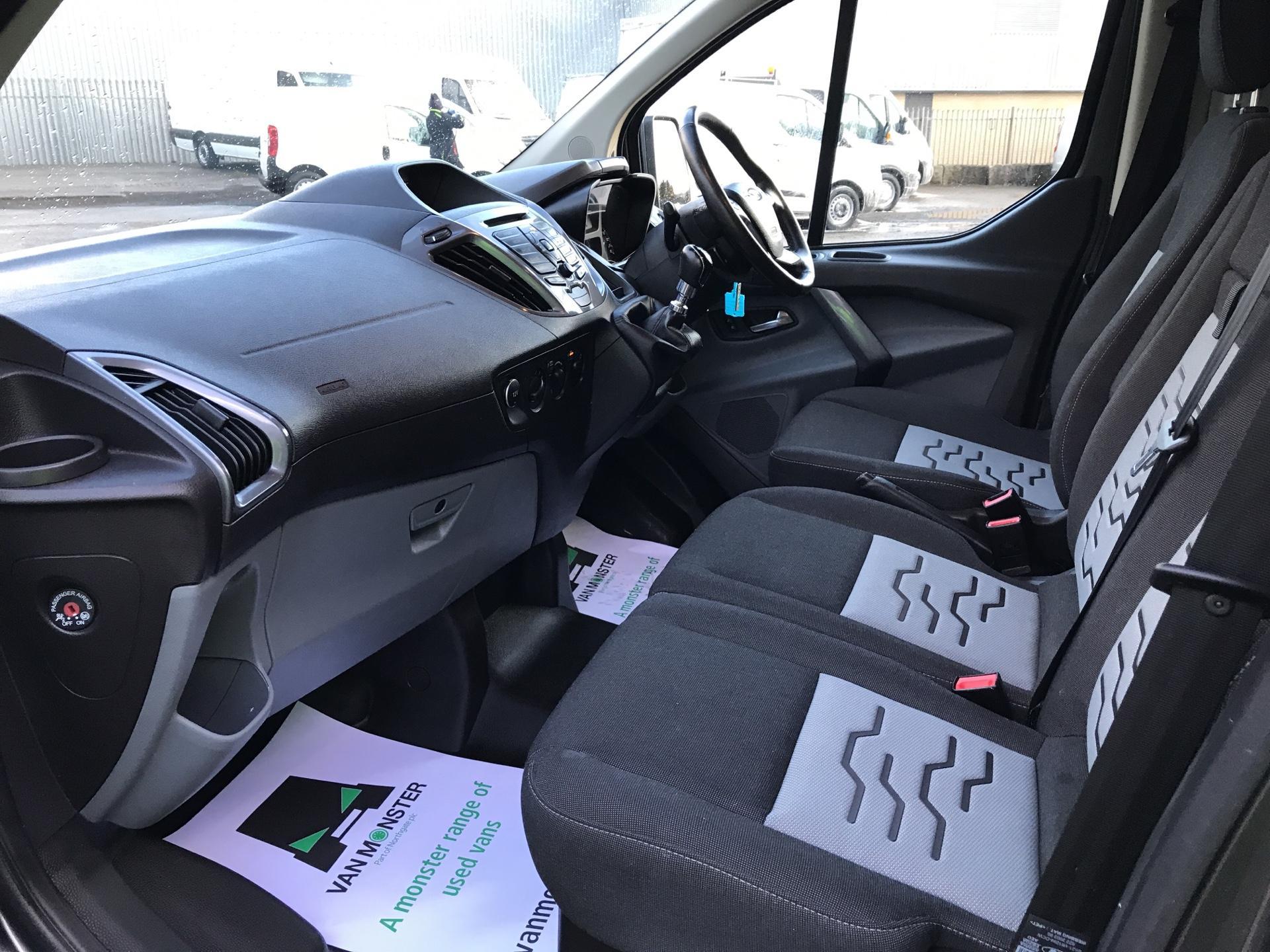 2017 Ford Transit Custom  290 L1 DIESEL FWD 2.0 TDCI 130 PS LOW ROOF LIMITED VAN EURO 6 (CV67MDZ) Image 14