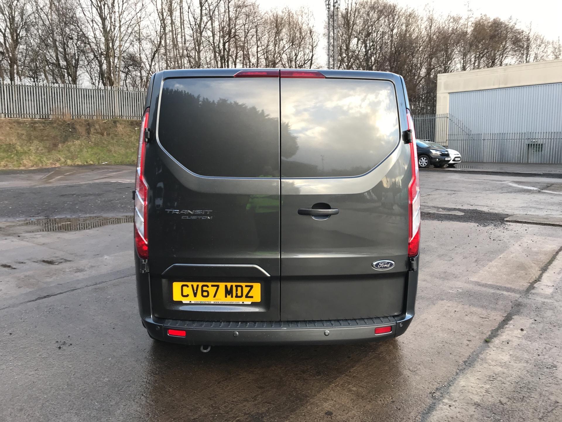 2017 Ford Transit Custom  290 L1 DIESEL FWD 2.0 TDCI 130 PS LOW ROOF LIMITED VAN EURO 6 (CV67MDZ) Image 4