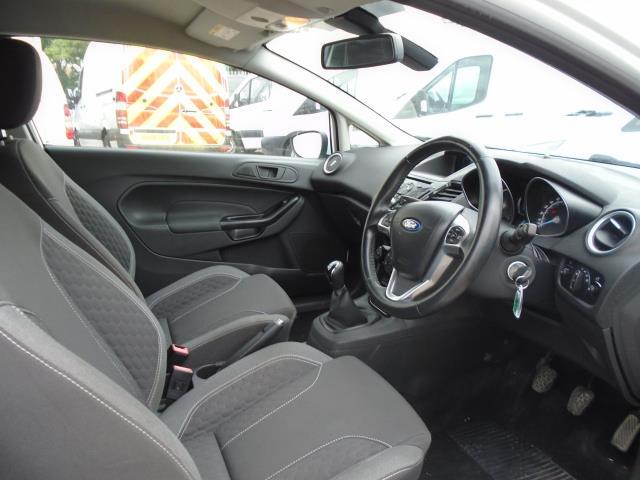 2015 Ford Fiesta 1.5 Tdci Sport Van (CX65ZNW) Image 14
