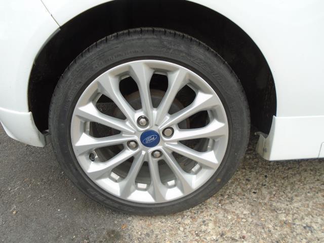 2015 Ford Fiesta 1.5 Tdci Sport Van (CX65ZNW) Image 8