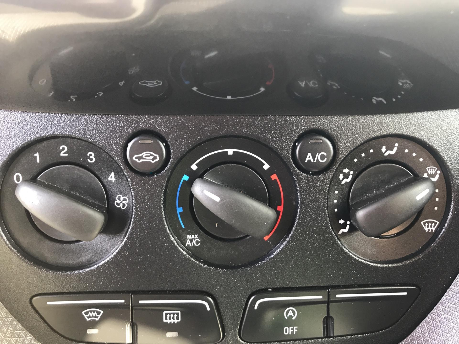 2016 Ford Transit Connect 1.5 Tdci 120Ps Limited Van (CX66OCS) Image 19