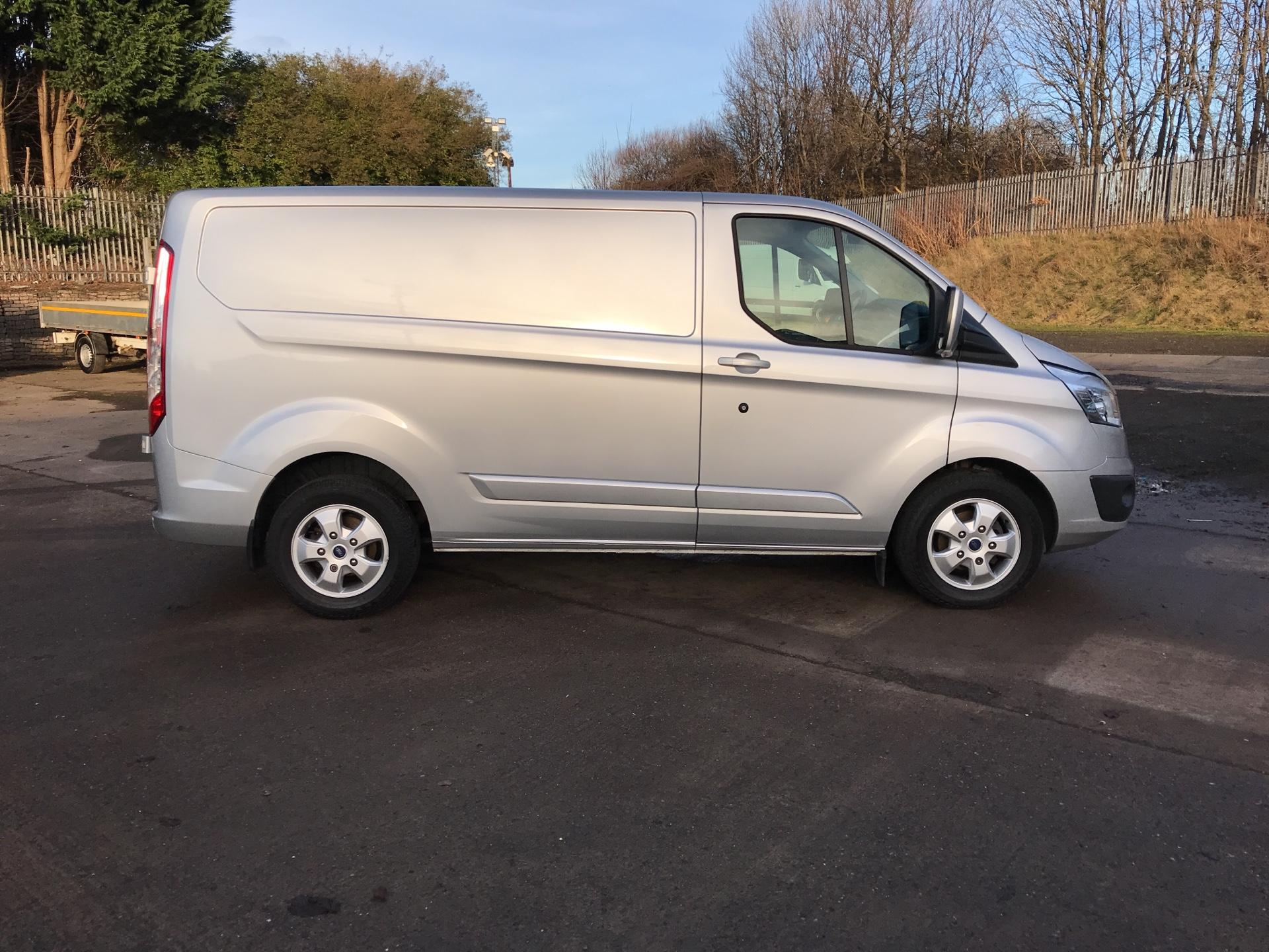 2017 Ford Transit Custom 270 L1 DIESEL FWD 2.0 TDCI 130PS LOW ROOF LIMITED VAN EURO 6 (CY67AVD) Image 2