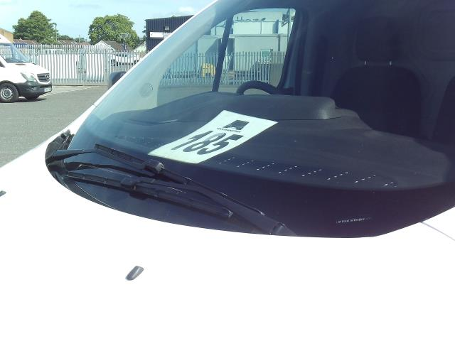 2015 Ford Transit Custom 270 L1 DIESEL FWD 2.2 TDCI 100PS L/R EURO 5 (DG15EFK) Image 17