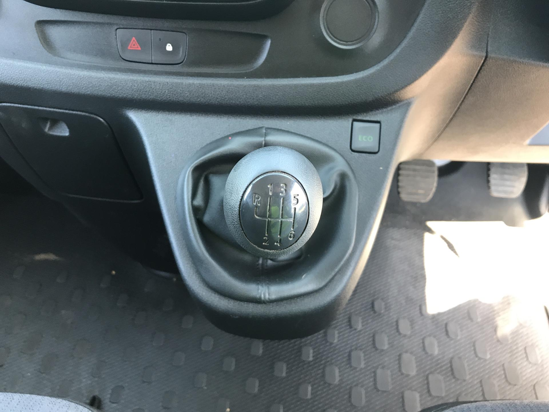 2016 Vauxhall Vivaro L2 H1 2900 1.6Cdti 115Ps EURO 5 (DG16OXS) Image 11