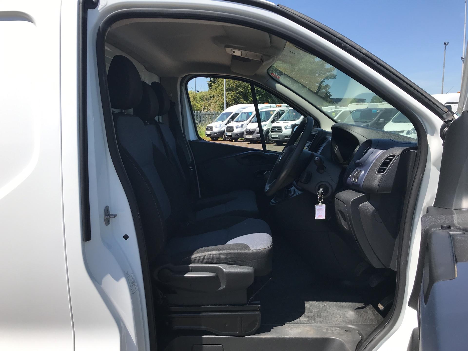2016 Vauxhall Vivaro L2 H1 2900 1.6Cdti 115Ps EURO 5 (DG16OXS) Image 9