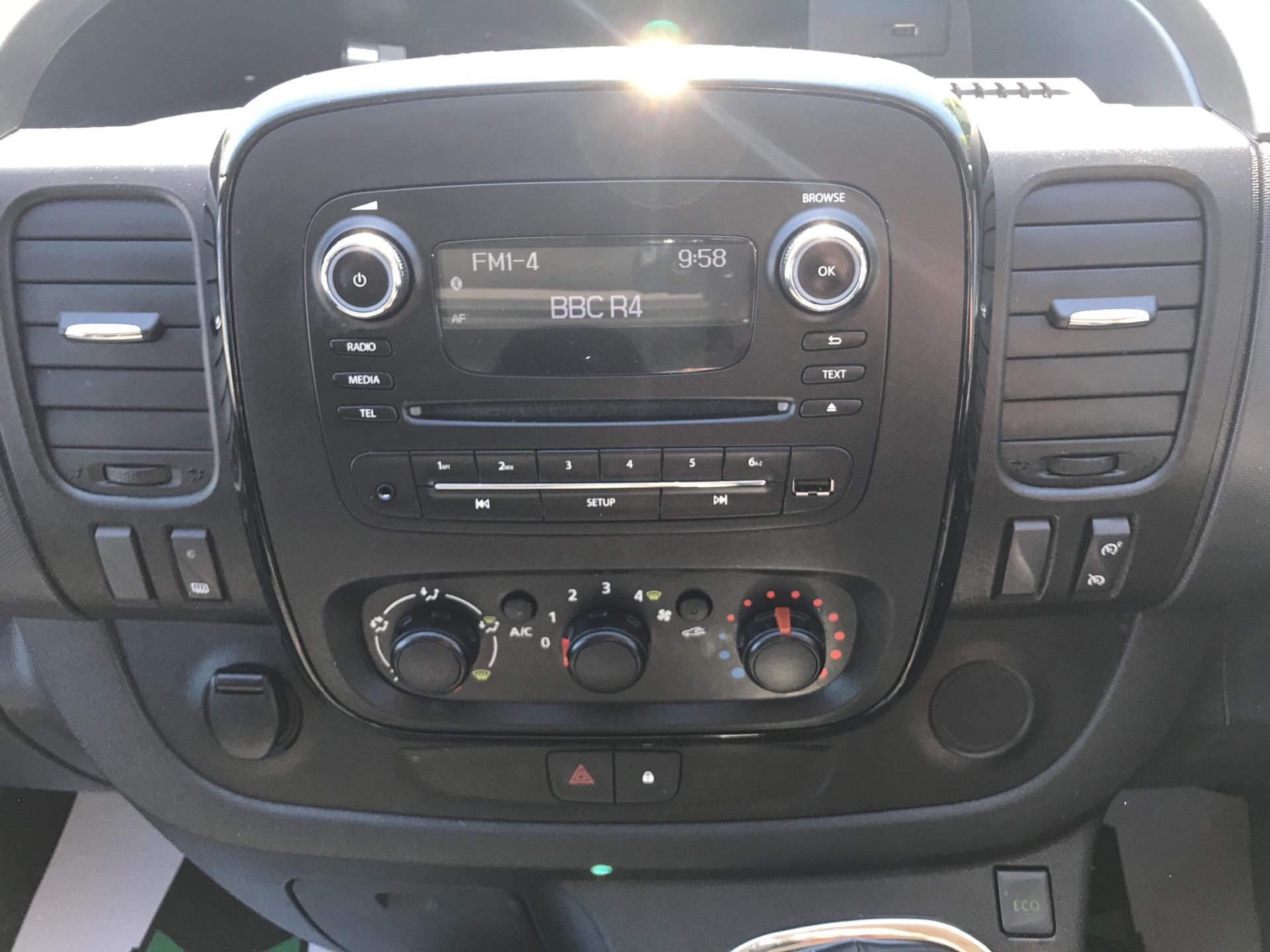 2017 Vauxhall Vivaro 2900 1.6CDTI L2H1 SPORTIVE VAN EURO 6 (DG17OKP) Image 10