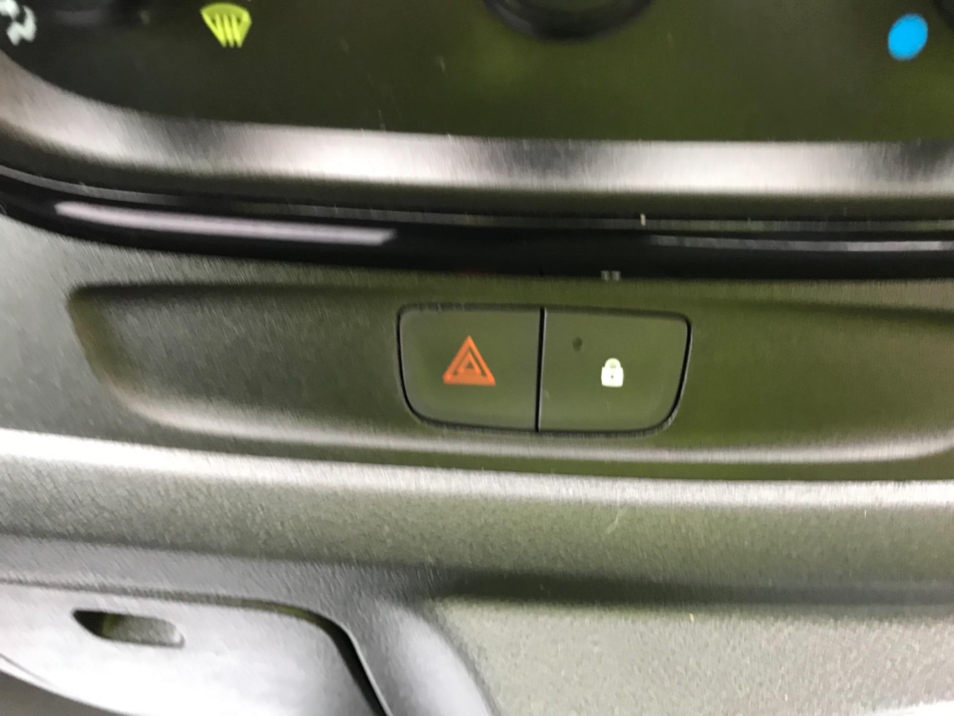 2018 Vauxhall Vivaro L2 H1 2900 1.6CDTI 120PS SPORTIVE EURO 6 (DL18UYC) Image 12