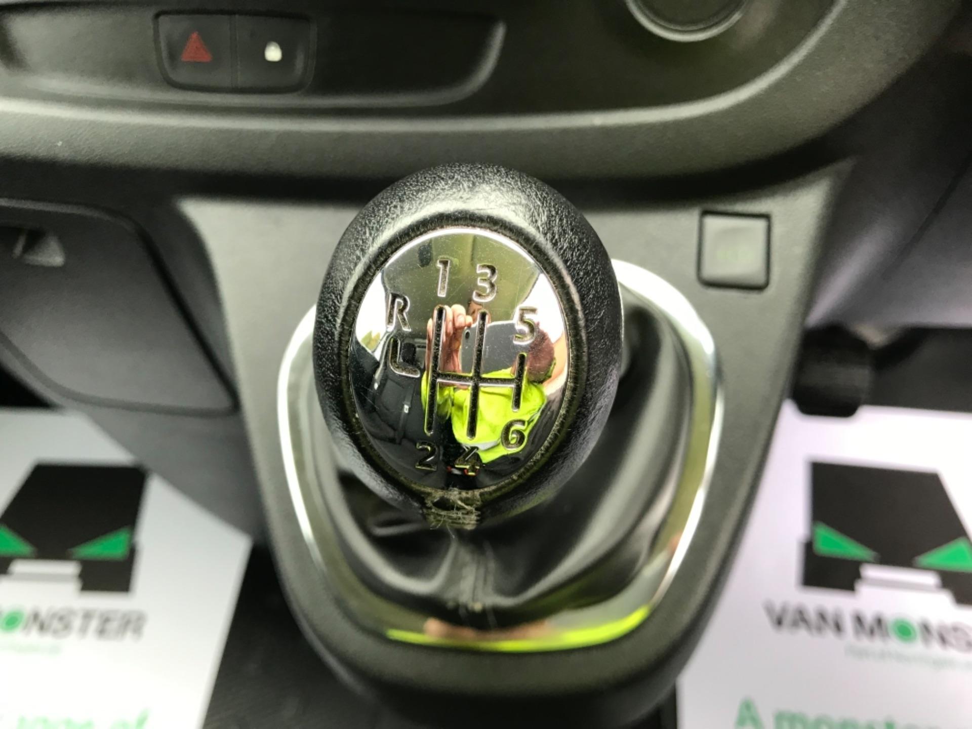 2018 Vauxhall Vivaro L2 H1 2900 1.6CDTI 120PS SPORTIVE EURO 6 (DL18UYC) Image 16