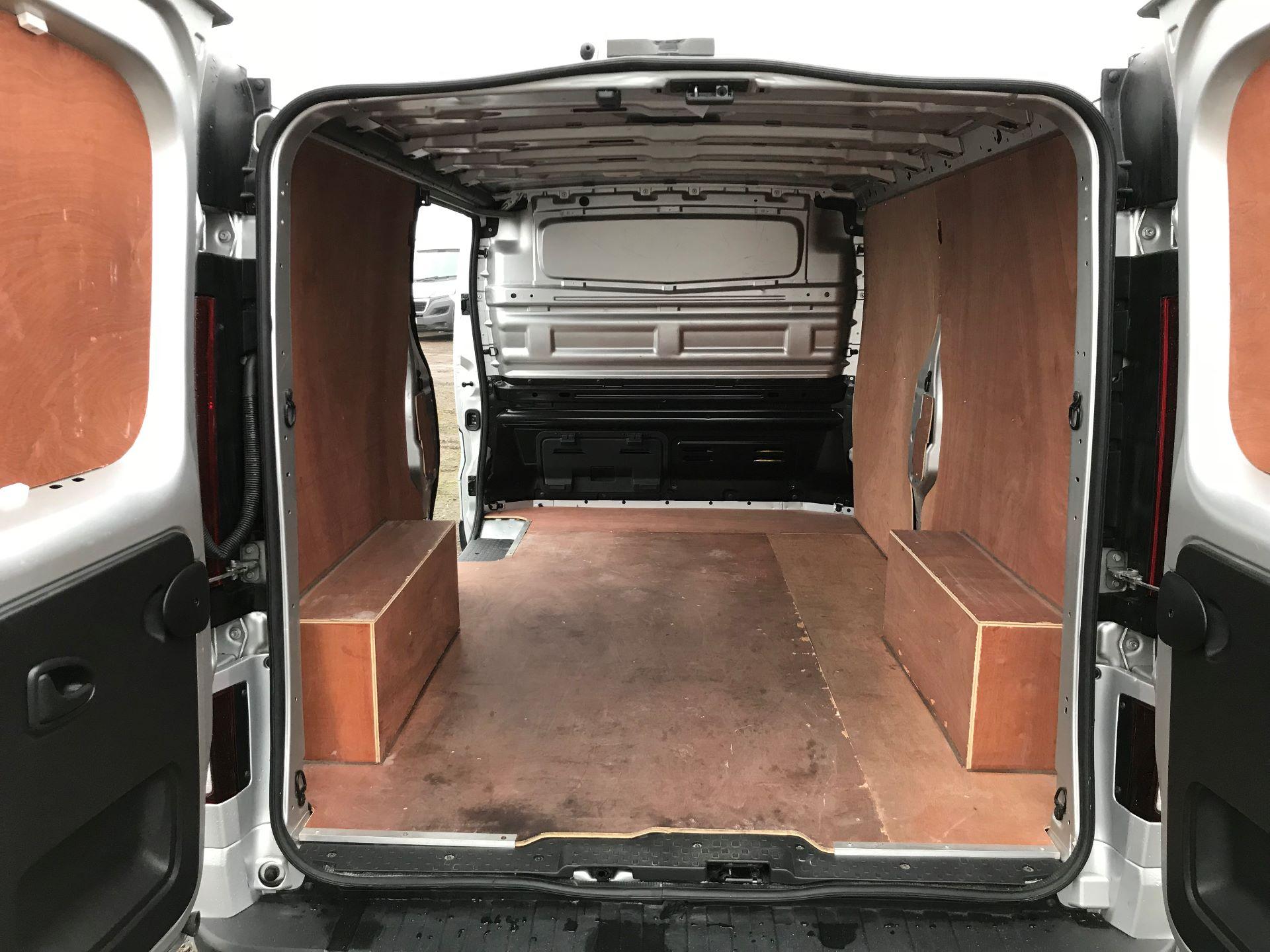 2018 Vauxhall Vivaro 2900 1.6Cdti 120Ps Sportive H1 Van (DL18UYU) Image 16