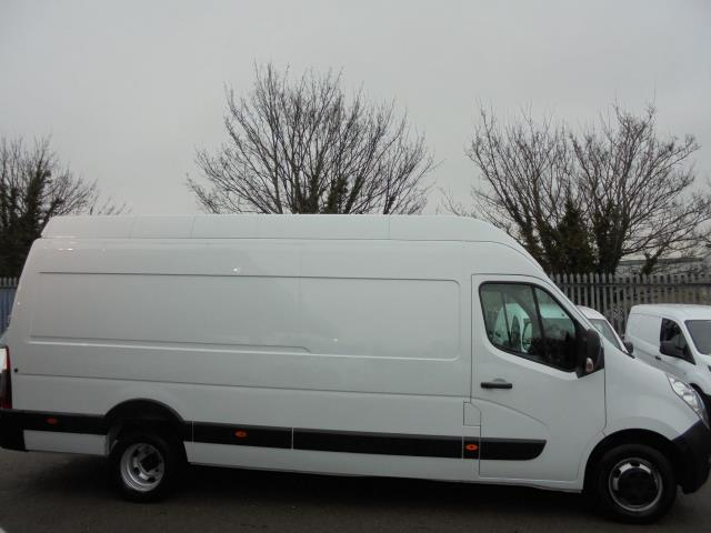 2015 Vauxhall Movano 35 L4 H3 125PS EURO 5 (DL65CPF) Image 2