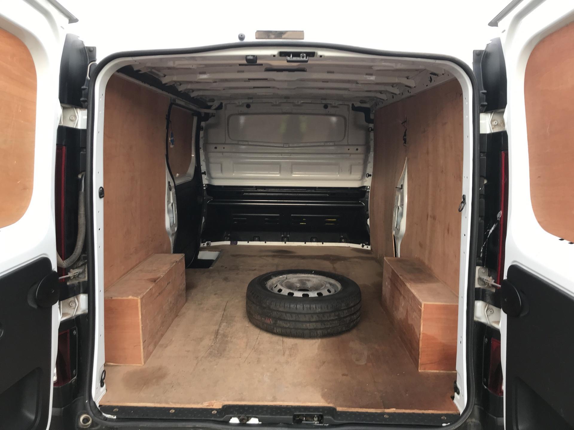 2016 Vauxhall Vivaro  L2 H1 2900 1.6 115PS EURO 6 (DL66BYV) Image 16