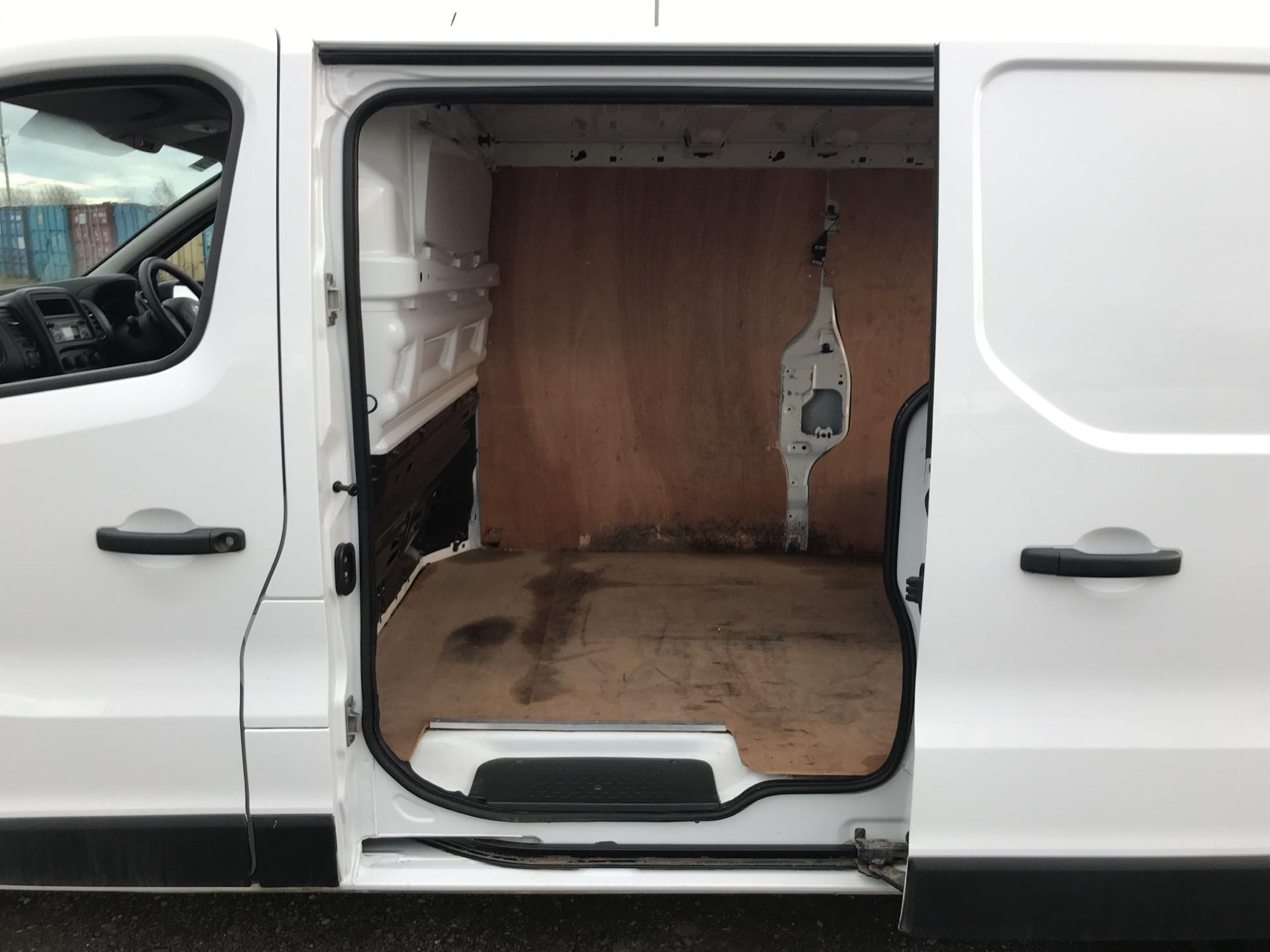 2016 Vauxhall Vivaro  L2 H1 2900 1.6 115PS EURO 6 (DL66BYV) Image 17