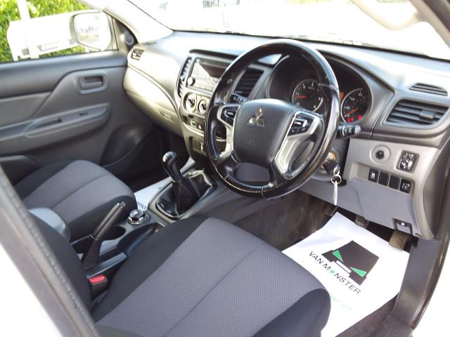 2016 Mitsubishi L200 Double Cab Di-D 151 4Life 4Wd (DL66GVM) Image 12