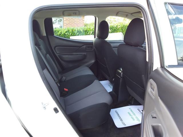 2016 Mitsubishi L200 Double Cab Di-D 151 4Life 4Wd (DL66GVM) Image 18