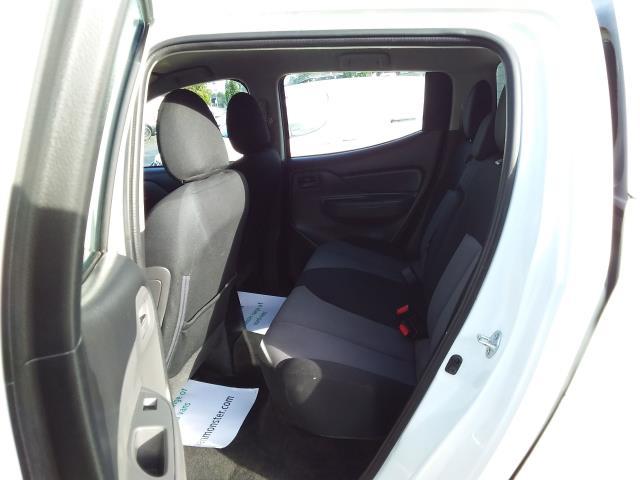 2016 Mitsubishi L200 Double Cab Di-D 151 4Life 4Wd (DL66GVM) Image 17