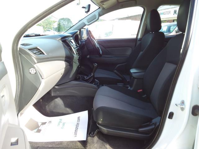 2016 Mitsubishi L200 Double Cab Di-D 151 4Life 4Wd (DL66GVM) Image 16
