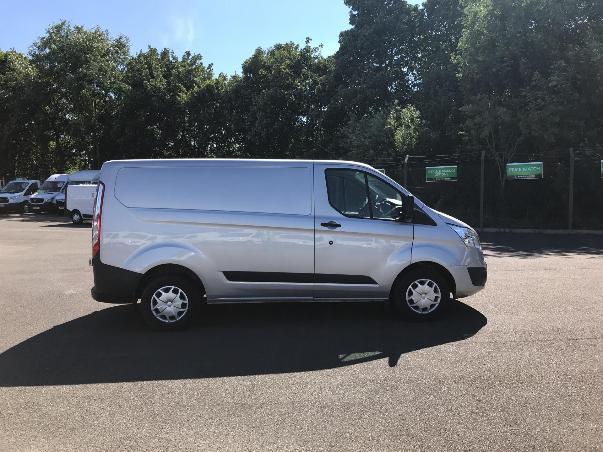 2016 Ford Transit Custom 270 L1 DIESEL FWD 2.2 TDCI 130PS LOW ROOF TREND VAN EURO 5 (DL66HCP) Thumbnail 2
