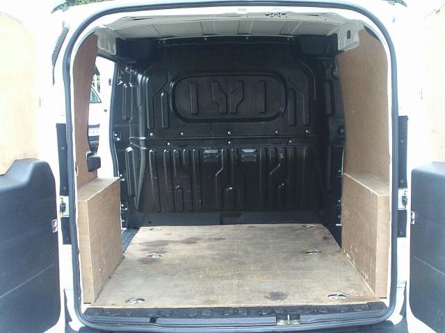 2015 Vauxhall Combo  L1 H1 2000 1.3 16V  EURO 5 (DN15AUX) Image 22